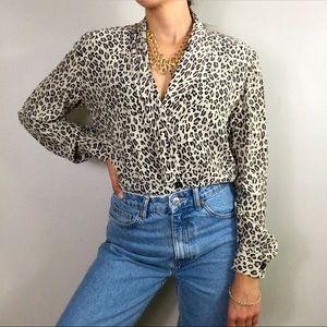 Dana Buchman 100% silk leopard print shirt blouse